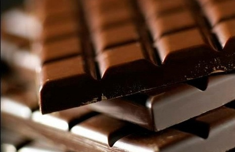 Vous êtes irritable, déprimé(e), vous avez des envies de chocolat incontrôlables ? Retrouver la bonne humeur dans votre assiette !