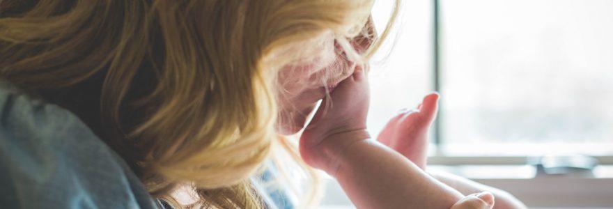 Lait premier et deuxième âge : quel lait maternisé choisir pour votre bébé ?